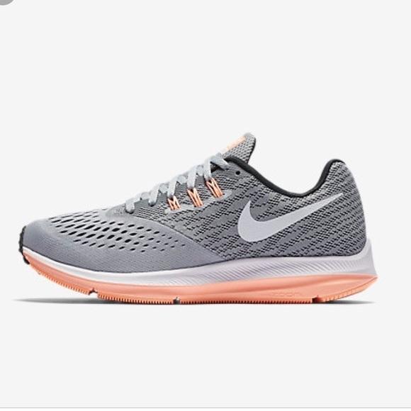 7dd44e43067a Nike Zoom WinFlo 4 tennis shoes. M 5c2e3edf819e90f82b0ab793